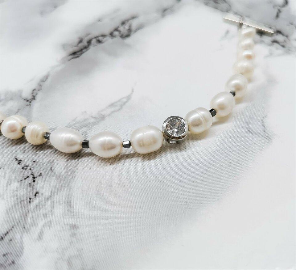 Gėlavandenių perlų apyrankė