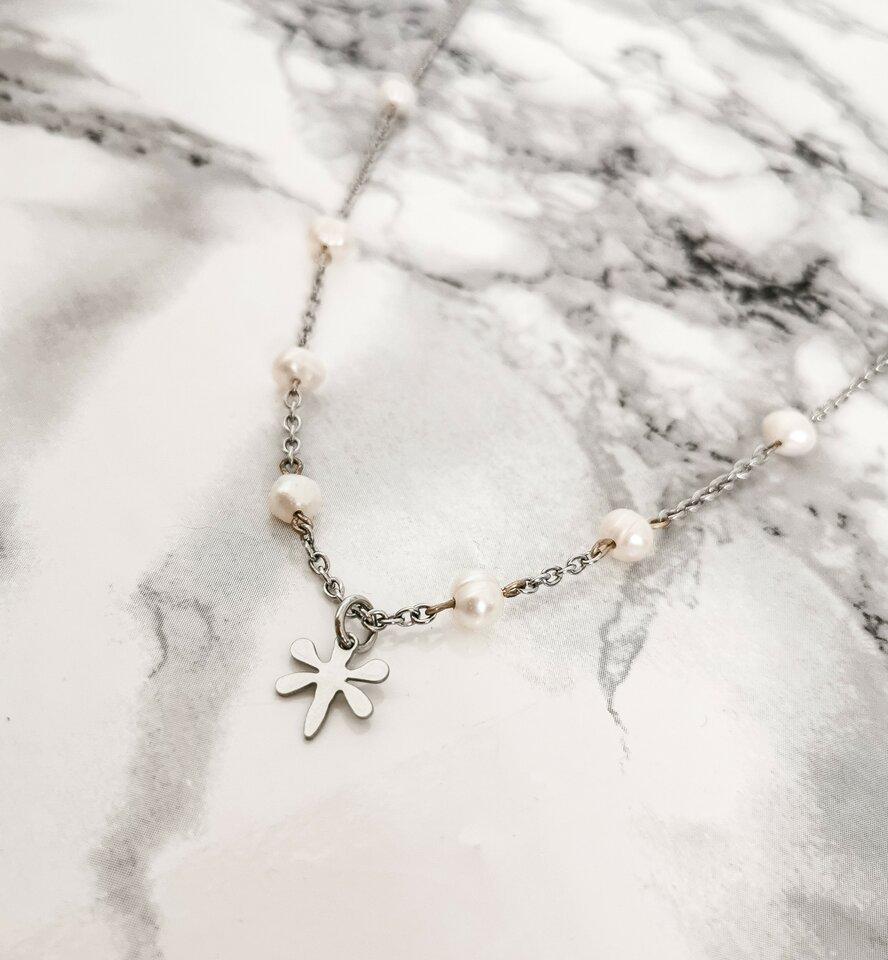 Nerūdijančio plieno vėrinys su gėlavandeniais perlais